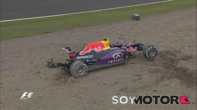 El coche de Kvyat ha quedado completamente destrozado - LaF1