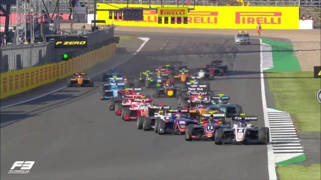 Salida de la Carrera 2 de Fórmula 3 en Silverstone - SoyMotor.com