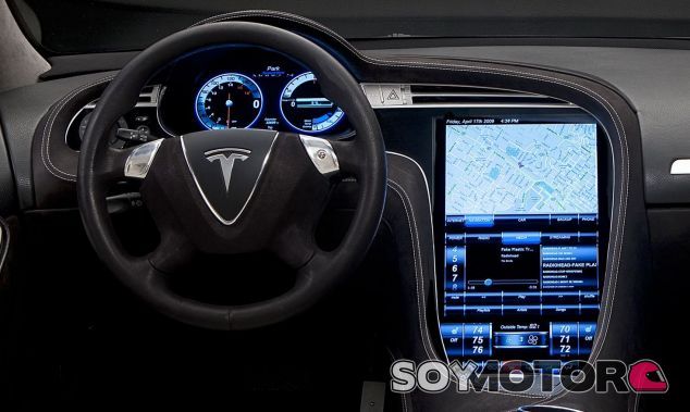 Pantalla interior del Tesla Model S – SoyMotor.com