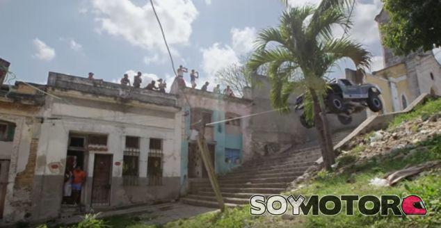 BJ Baldwin la arma en Cuba con su todopoderoso Trophy Truck - SoyMotor.com