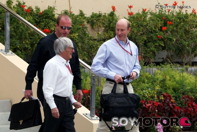 Bernie Ecclestone y Donald Mackenzie en 2006 - LaF1