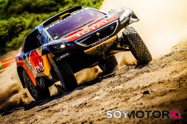 Una avería entierra las opciones de Sainz, Peterhansel asalta el Dakar - LaF1