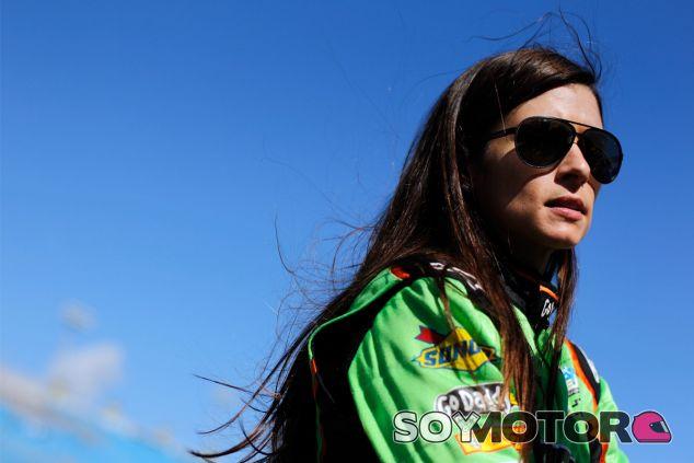 El jefe de equipo de Haas Formula no descarta a Danica Patrick