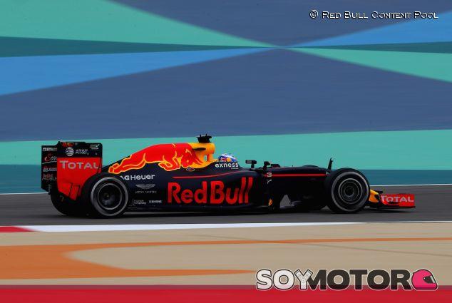 Daniel Ricciardo en los libres del GP de Baréin - LaF1