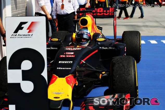 Ricciardo se sube al podio en el GP de Hungría - LaF1