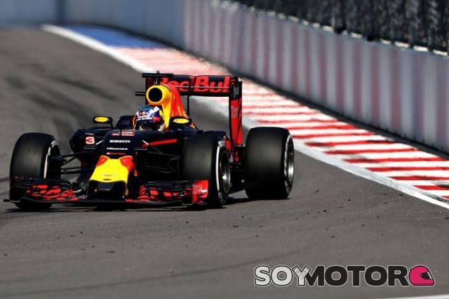 Ricciardo critica la estrategia de Red Bull - LaF1