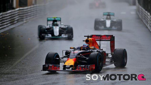 Ricciardo ha perdido dos victorias consecutivas por errores de Red Bull - LaF1
