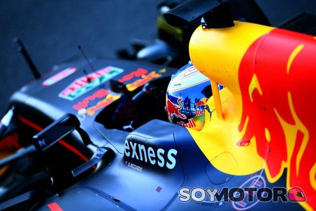 Ricciardo alaba las mejoras de Renault respecto al año 2015 - LaF1