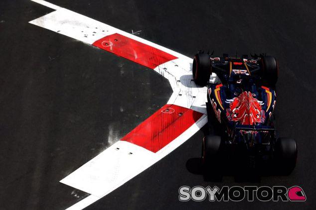 Kvyat destacó en el circuito de Bakú - LaF1