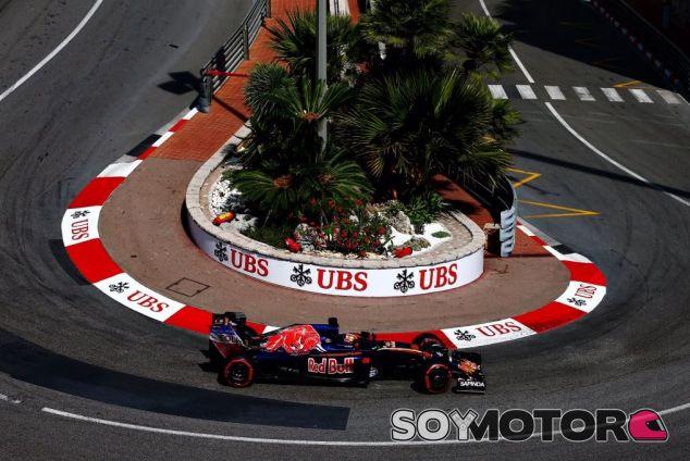 Kvyat comenzará a buscar ofertas de otros equipos - LaF1