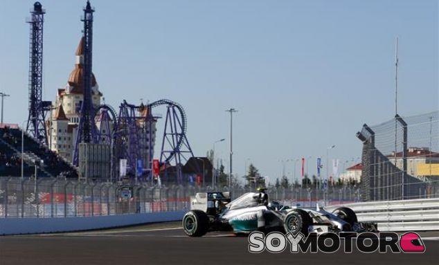Rosberg se convierte en el primer líder del GP de Rusia