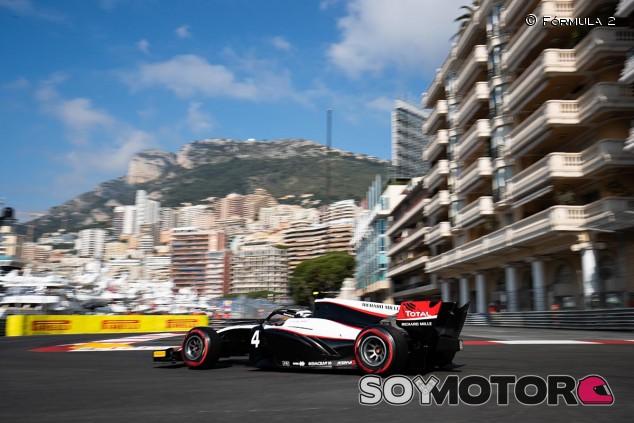 De Vries asusta con una incontestable Pole en Mónaco