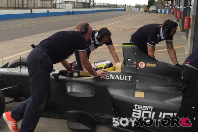 De la Rosa con el Fórmula E del equipo Aguri ayer en Donington - LaF1