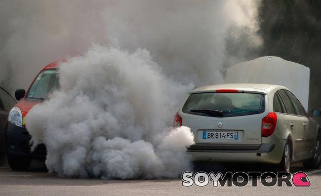 Más impuestos al Diesel, el camino a los eléctricos - SoyMotor.com