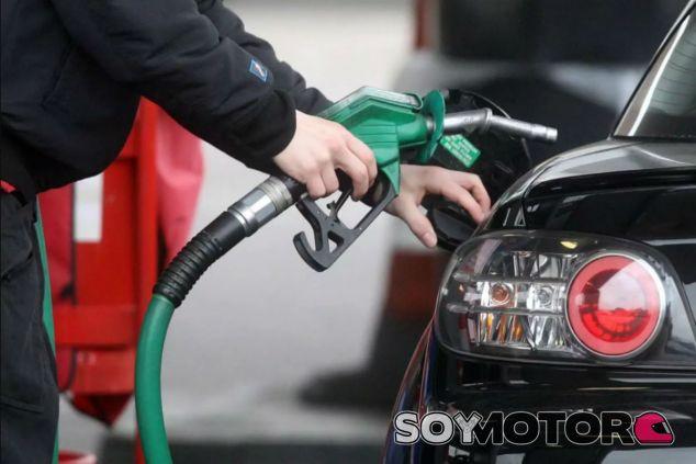 La venta de coches Diesel y de gasolina estará prohibida en España desde 2040 - SoyMotor.com