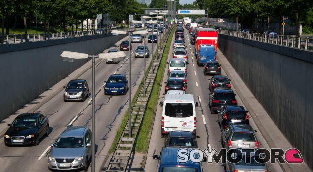 El ruido provocado por el tráfico rodado se convierte en una molestia para muchos - SoyMotor