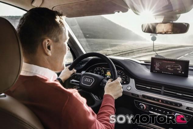 Llevar todos los documentos necesarios en el coche nos evitará problemas - SoyMotor.com