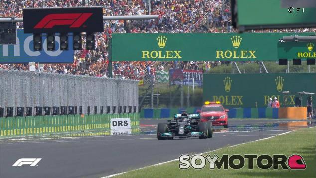 Mercedes justifica su error en la relanzada de Hungría - SoyMotor.com
