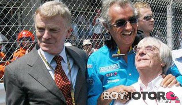 Flavio Briatore en una imagen de archivo con Max Mosley y Bernie Ecclestone - LaF1