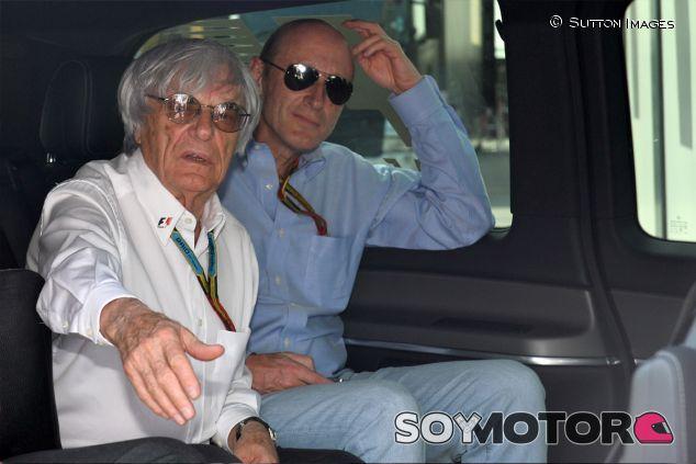 Bernie Ecclestone en Montmeló, junto a Donald Mackenzie de CVC Capital Partners - LaF1