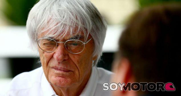 Ecclestone, durante un Gran Premio - SoyMotor