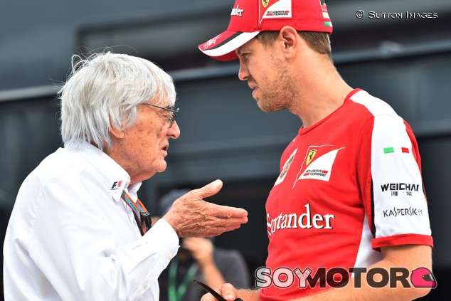 Bernie Ecclestone y Sebastian Vettel en Silverstone - SoyMotor.com