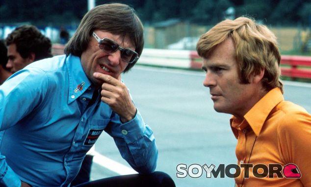 Bernie Ecclestone (izq.) junto a Max Mosley (der.) en 1974 - SoyMotor