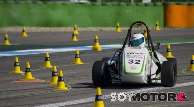Monocasco eléctrico ecoRZ de la Fórmula SAE - SoyMotor.com