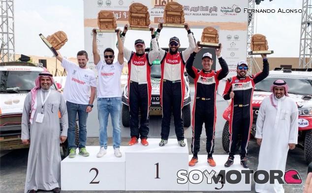 """Alonso, feliz con su primer podio: """"Nos dará confianza para el Dakar"""" – SoyMotor.com"""