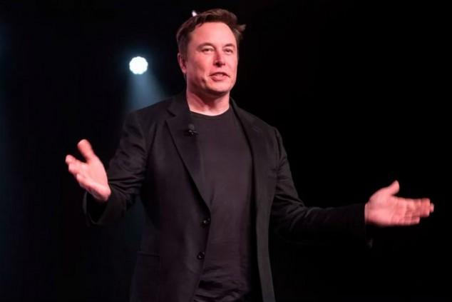 Elon Musk y Bill Gates, enfrentados por un coche - SoyMotor.com