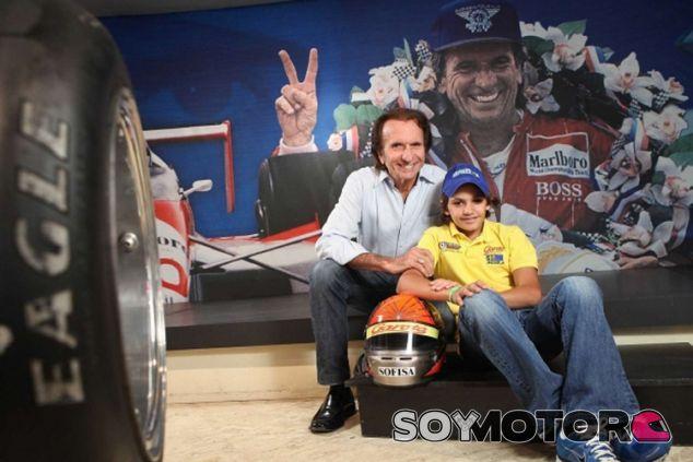 Emerson Fittipaldi junto a su nieto Pietro - LaF1