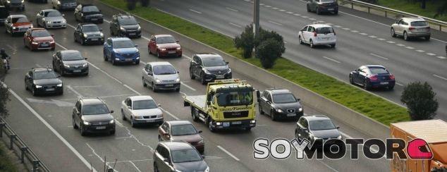 Bruselas endurece los límites de emisiones de CO2 para 2030 - SoyMotor.com