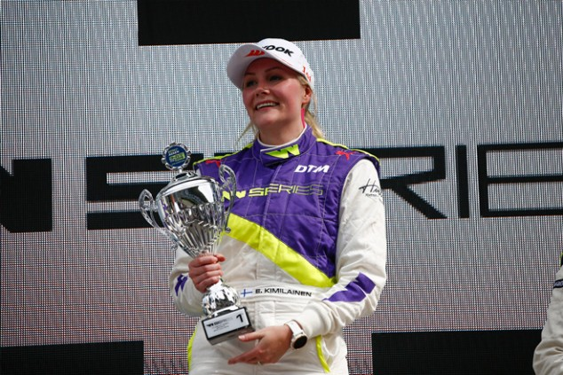 Fotos en top-less a cambio de un asiento: cómo Kimiläinen huyó de las Indy Lights - SoyMotor.com