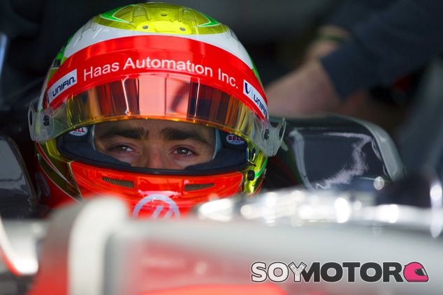Esteban Gutiérrez en los test de Barcelona - laF1