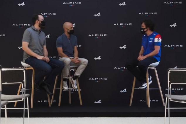 Antonio Lobato y Cristóbal Rosaleny entrevistan a Fernando Alonso - SoyMotor.com