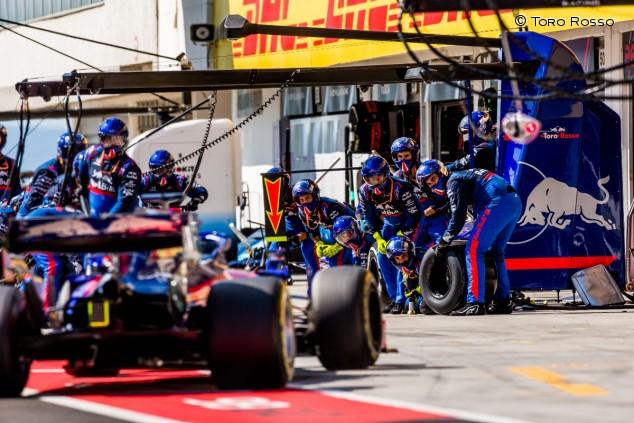 Los mecánicos de Toro Rosso en el GP de Hungría F1 2019 - SoyMotor