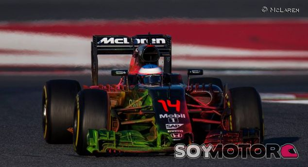 Fernando Alonso, ayer en Barcelona - LaF1