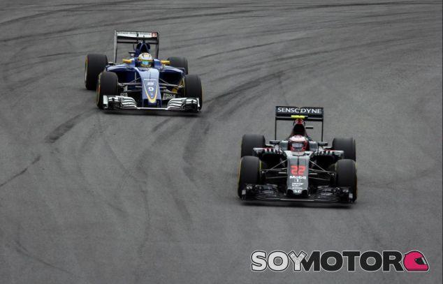 Ericsson y Button en el GP de Brasil - SoyMotor