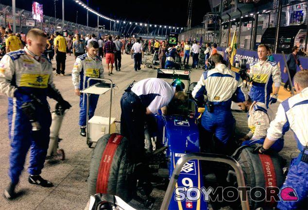 El coche de Marcus Ericsson en la parrilla de salida - LaF1
