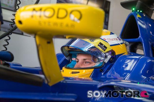 Marcus Ericsson en el box durante los libres del GP de Italia - LaF1.es