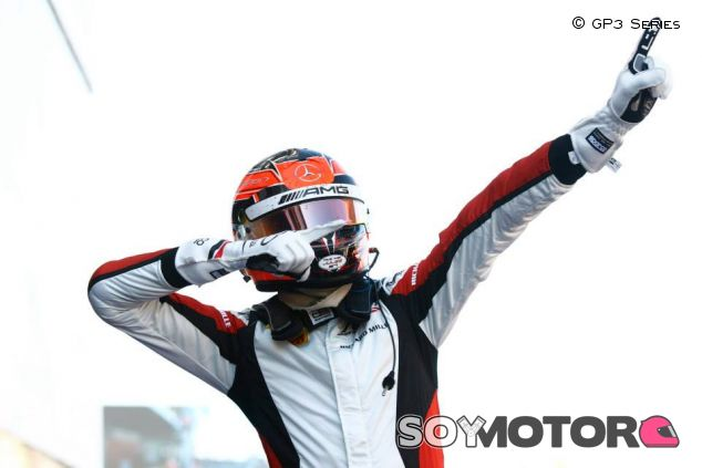 Esteban Ocon festeja su triunfo en el Circuit de Barcelona-Catalunya - LaF1