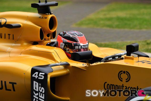 Esteban Ocon con el RS16 - LaF1
