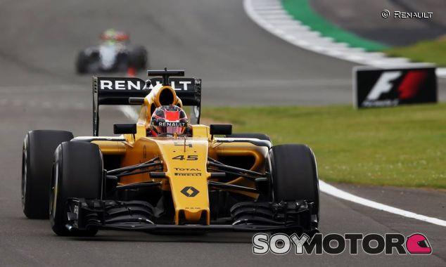 Esteban Ocon en los tests de Silverstone - LaF1