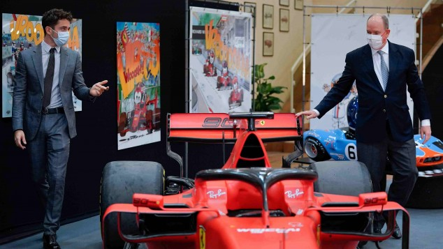 El SF90 de Leclerc, expuesto en el museo del Automóvil de Mónaco  - SoyMotor.com