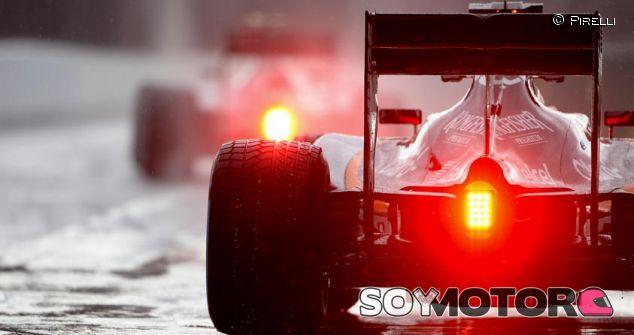 Pirelli probará los neumáticos de 2017 con un chasis con motor V8 - LaF1