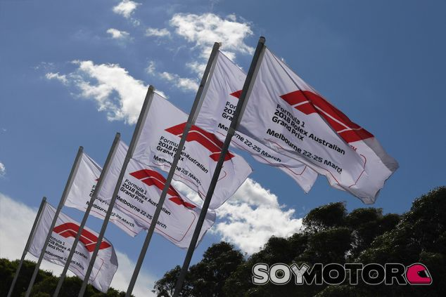 Banderas de F1 en Albert Park - SoyMotor.com