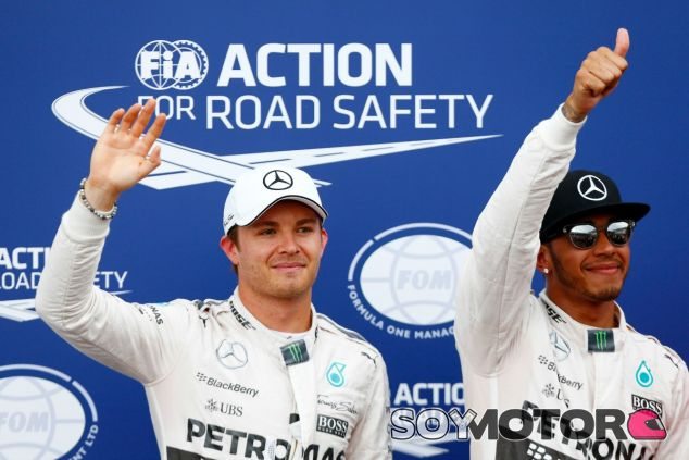Hamilton muestra respeto por Rosberg en la celebración de Mercedes - LaF1