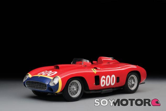 El Ferrari 290 MM de Fangio vendido por 28 millones de dólares