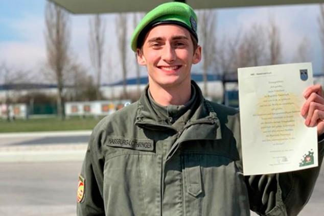 Ferdinand Habsburg, un piloto que hace la mili en tiempos de coronavirus - SoyMotor.com