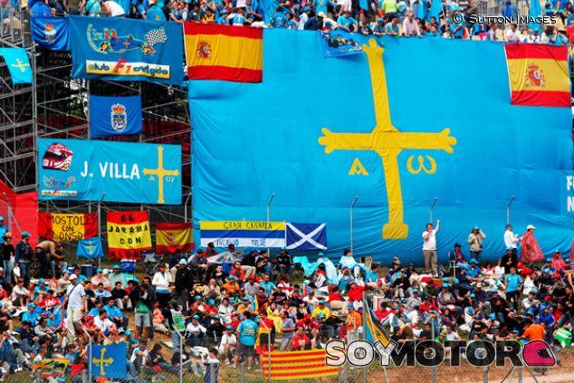 Fans de Fernando Alonso en Barcelona - SoyMotor.com